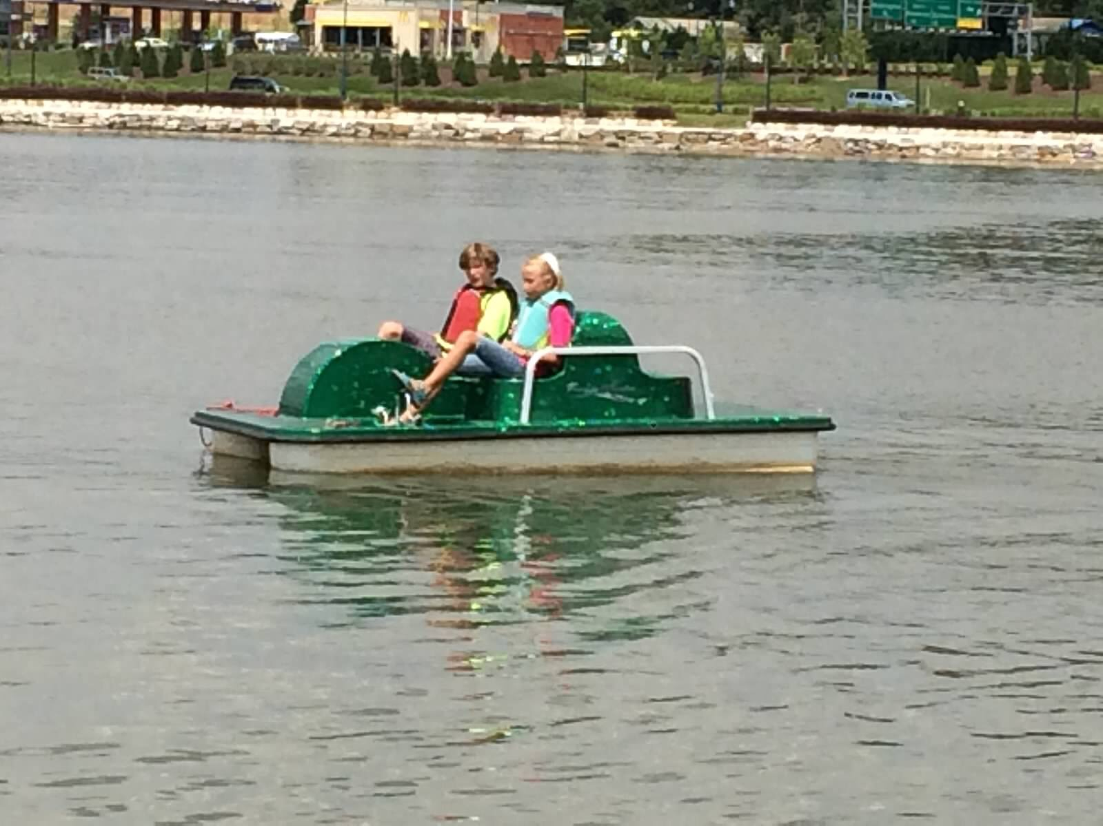 Kayaking Pedal Boats Amp Stand Up Paddle Boarding In