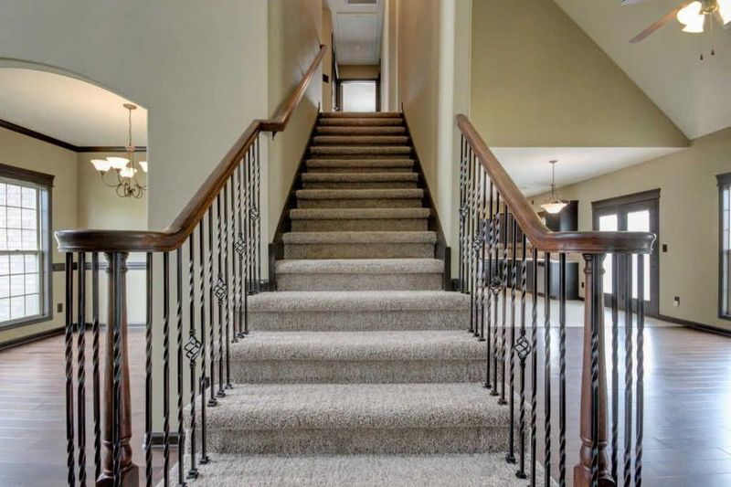Androws flooring in clarksville military town advisor for Clarksville flooring
